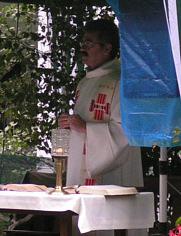 Pfarrer Weber von der St. Andreas Gemeinde